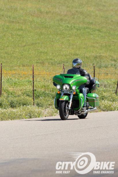 Indian-Roadmaster-Harley-Davidson-Ultra-Limited-CityBike-Magazine-Angelica-Rubalcaba-15