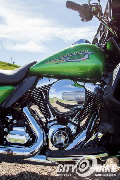 Indian-Roadmaster-Harley-Davidson-Ultra-Limited-CityBike-Magazine-Angelica-Rubalcaba-41